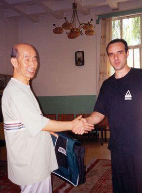 Aquí estoy con Zhang Guangde en Beijing Sports University. Año 1995.